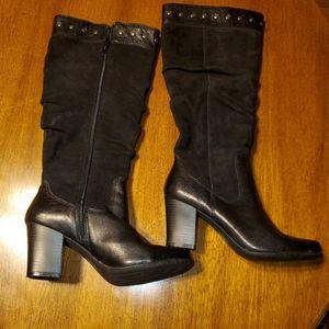 Boc Size 7 black boots.